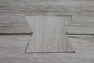 Detail spoja plátu stola